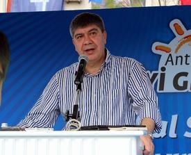 Antalya Büyükşehir Belediye Başkanı Menderes Türel, Hal Rüsum Bedellerini Yüzde 50 Olarak Belirlediklerini, Mevcut Hal Kompleksine 100 Dönüm Alan Ekleneceğini Ve 6 Bölge Hali Kurulacağı Müjdesini Verdi.