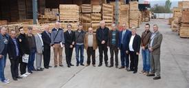 Bosna-hersek Orta Bosna Kantonu Ekonomi Bakanı Sedzad Milanoviç, İnegöl'de Ağaç Sektöründe Faaliyet Gösteren Firmaları Ziyaret Etti.