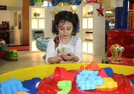 Türkiye'nin Oyuncaklara Yönelik En Büyük Ticaret Fuarı İstanbul'da Açıldı. Fuara, Orta Doğu Ülkeleri Başta Olmak Üzere Dünyanın Birçok Ülkesinden Ziyaretçi Katıldı.