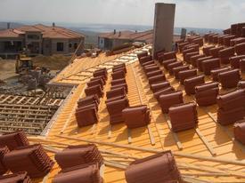 Çatı Ve Yalıtım Uygulamalarının Standartalara Uygun Olarak Yapılması Halinde Tüketici Bütçesine Önemli Ölçüde Katkı Sağlayacağını Belirtildi.