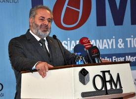 """Tümsiad Avrupa Başkanı Cahit Kerenciler, Hükümetin Çözüm Sürecinin Önemine Vurgu Yaparak, """"çözüm Süreci Bizim İçin Çok Önemlidir. Türkiye'nin Bütün Ortadoğu'da Söz Sahipliliği Var. Türkiye Ortadoğu'daki Sorunlara Benim Sorunlarımın Dışındadır Diye Bakamaz. Bunun İçin Ben Burada Cumhurbaşkanımızı, Hükümeti, Çalışan Değerli Bakanlarımızı Ve Kardeşlerimizi Kutluyorum"""" Dedi."""