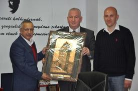 Orta Bosna Kantonu Ekonomi Bakanı'nın Da Aralarında Bulunduğu Heyet, Ticaret Ve Sanayi Odası'nı Ziyaret Ederek, İnegöllü İşadamlarını Ülkelerine Yatırım Yapmaya Davet Etti.