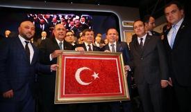 Bursa Ticaret Borsası Yönetim Kurulu Başkanı Özer Matlı, Başbakan Ahmet Davutoğlu'nu Önümüzdeki Günlerde Yapmayı Planladıkları Faaliyetlere Davet Etti.