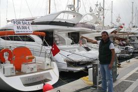 Muğla'nın Marmaris İlçesinde Yabancı Bir Firmanın Türkiye Temsilciliği Tarafından Satışa Çıkarılan Milyon Dolar Değerindeki Lüks Yatlar Yeni Sahiplerini Bekliyor.