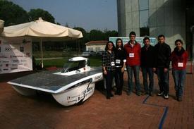 Bursa Uludağ Üniversitesi Öğrencileri, Güneş Enerjili Arabadan Sonra Uçan Araba Yapmayı Hedefliyor. 2016 Yılında Hayata Geçirilecek Proje İle Dünyanın İlk Uçan Arabası Üretilmiş Olacak.