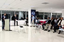 Samsung Mobil İçerik Sorumlusu Burak Emiralp, Uluslararası Antalya Üniversitesi'nin (uaü) Tezsiz Yüksek Lisans Programı Olan Mba Öğrencileriyle Bir Araya Geldi.