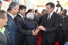 Ekonomi Bakanı Nihat Zeybekci, Ak Parti'nin Acıpayam İlçe Kongresine Katıldı.