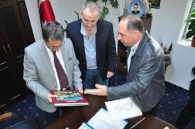 Başkan Kamil Saka, Gümrük Kapısı İle İlgili Yapılması Gereken Çalışmaları En Kısa Sürede Hayata Geçireceklerini İfade Etti.