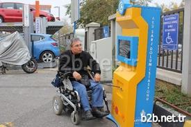 İspark, Akülü Engelli Araçlarının Şarj Edilebileceği Elektrikli Şarj Üniteleri Projesini Hayata Geçirdi. Sosyal Sorumluluk Projesi Olarak Hizmete Açılan Şarj Üniteleri Aynı Zamanda Engelli Vatandaşların İnternete Bağlanabilmesine De İmkan Sağlıyor.