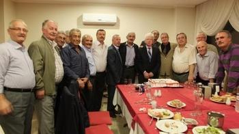 42 Yıl Önce İstanbul Selimiye Veteriner Teknisyenleri Meslek Lisesinden Mezun Olan 17 Kişi, Hafta Sonu Kuşadası'nda, İlk Kez Bir Araya Gelirken Birbirlerini Tanımakta Zorlandı.