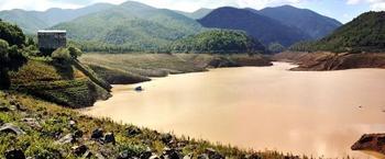 Türkiye Genelinde Etkili Olan Sağanak Yağışlar Vatandaşlara Zor Anlar Yaşatırken, Yalova'daki Gökçe Barajı'ndaki Su Seviyesinin Yüzde 12 Yükselmesi Yüzleri Güldürdü.