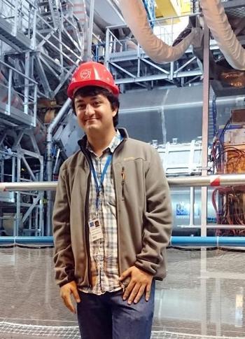 İzmir'de Gediz Üniversitesi Makine Mühendisliği Bölümünü Okuyan İbrahim Can Görgülü, Davet Üzerine Evrenin Sırlarını Arayan Avrupa Nükleer Araştırmalar Merkezi'nde (cern) Eğitim Gördü.
