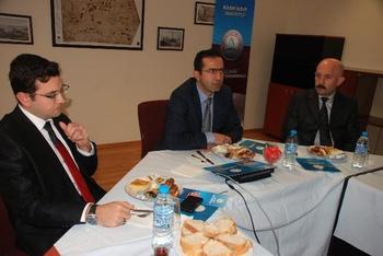 Zonguldak'ın Ereğli İlçesinde, Geçen Yıl Eğitim-öğretime Açılan Bülent Ecevit Üniversitesi'ne (beü) Bağlı Kdz. Ereğli Meslek Yüksekokulu Yöneticileri Gazetecilerle Bir Araya Gelerek Okulun Mevcut Durumu Ve Hedefleri Hakkında Bilgilendirme Yaptı.