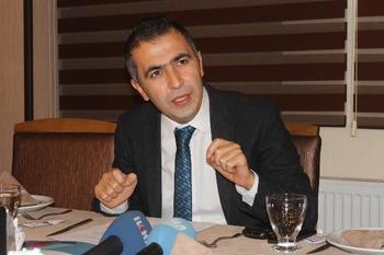 Dicle Kalkınma Ajansı Genel Sekreteri Dr. Tabip Gülbay, 2010-2014 Yılları Arasından Trc-3 Bölgesi'nde 261 Projeye 62 Milyar 477 Milyon 35 Bin 50 Lira Destek Sağladıklarını Açıkladı.